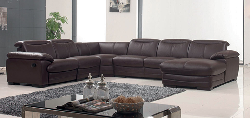 Living Room Furniture Sectionals 2146 Sectional with 1 Manual Recliner
